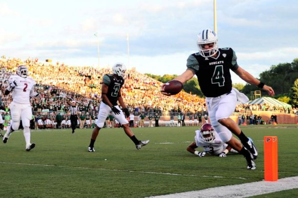 Tyler Tettleton stretches for the pylon as Ohio gets their first score on the night. (Photo from Ohio Athletics)