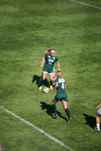 Alexis Milesky controls the ball in Ohio's draw with Western Michigan on Sunday. (Carl Fonticella)