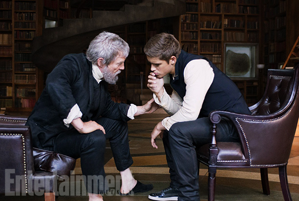 """Brenton Thwaites is a total babe in """"The Giver,"""" but he's supposed to be playing a 12-year-old. So. Yeah."""