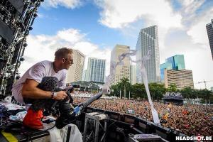 Dipole being Diplo at ultra Music Festival in Miami, FL. Photo courtesy of reddit.com