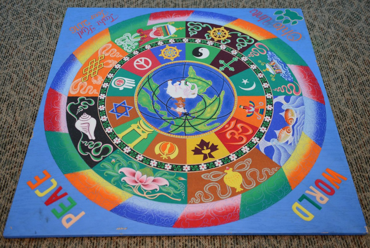 Tibetan Monks visit Ohio University to construct peace mandala